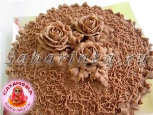 розы из шоколадного крема