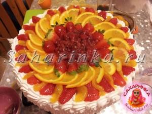 фруктово-ягодный кремовый торт