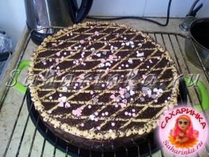 шоколадный кремовый торт