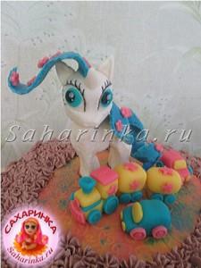 торт с пони, машинкой и паровозиком из мастики